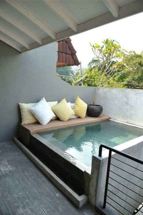 canapé-piscine