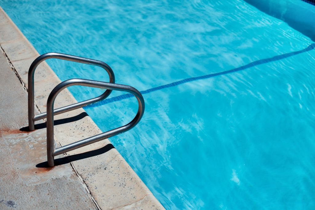 réparer une fuite piscine